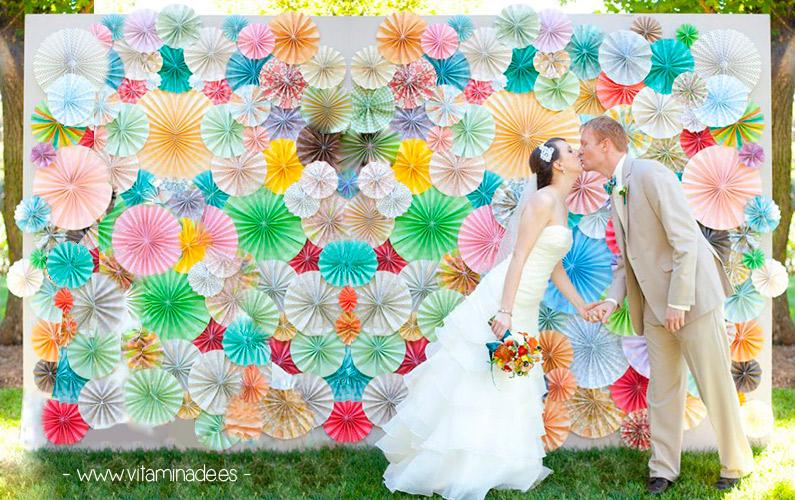 fondo photocall rosetones de papel